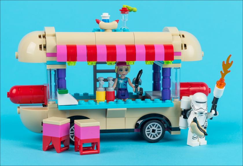 Обзор набора Lego Friends 41129 Amusement Park Hot Dog Van