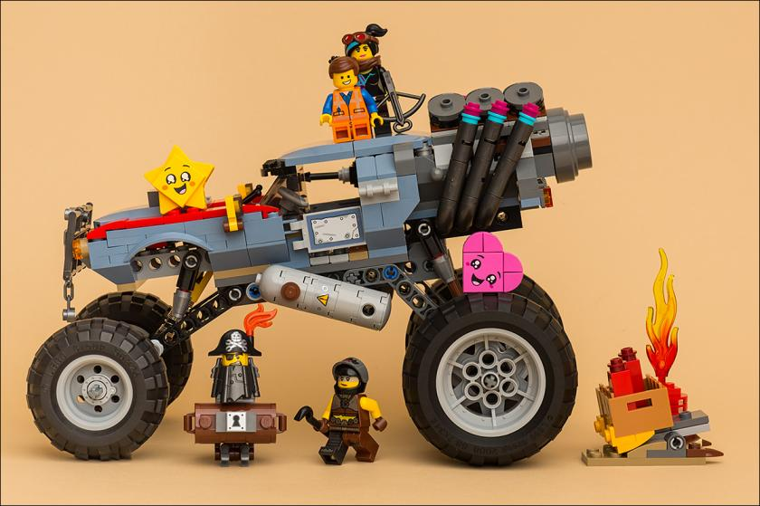 ФОТООБЗОР THE LEGO MOVIE 2 – 70829 – EMMET AND LUCY'S ESCAPE BUGGY
